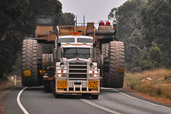 oversize 2 (dalinean) Tags: cat truck big transport large sigma australia westaustralia sd1 haupac