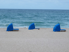 Deerfield Beach Hotel (2) (moelynphotos) Tags: blue beach florida shore deerfieldbeach atlanticocean beachresort moelynphotos