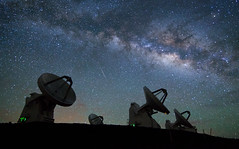 Submillimeter Array (geekyrocketguy) Tags: night hawaii timelapse tokina observatory galaxy astronomy 28 f28 meteor sma maunakea array milkyway shootingstar 1628 submillimeter lyrid 1628mm