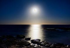 Moonrise (Grace E. C.) Tags: moonrise moon horizon ocean water sea rocks centralcoast australia beach soldiersbeach nsw newsouthwales canoneos1200d canon 1200d eos1200d