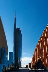 MILANO-FERRAGOSTO IN GAE AULENTI!! (Roberto.mac.) Tags: ferragosto gaeaulenti citta milano arte cultura architettura colori ombre luci robertomac