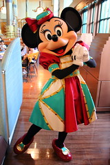 Minnie Mouse (sidonald) Tags: tokyo disney tokyodisneysea tds tokyodisneyresort tdr greeting horizonbayrestaurant    minniemouse minnie