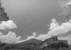 Un claro de cielo en Hita. (JOSSUKO) Tags: paisajes paisaje medieval guadalajara verano pueblos hita plazadelarcipreste espaa