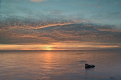 prkens, clouds right before sunset (Mika Lehtinen) Tags: prkenskvll clouds sunset sun sunsetting shine sea water sky colours