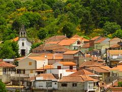 guas Frias (Chaves) - ... vista parcial do ncleo da Aldeia ... (Mrio Silva) Tags: aldeia guasfrias chaves trsosmontes portugal ilustrarportugal madeinportugal mriosilva lumbudus agosto 2016 vero casa casas