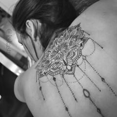 12991022_10205764114013064_179173952915079567_n_phixr-2 (Kskastro) Tags: tattoo tatuagem mendi tattoobrasil kskastro sjctattoo mehndi tattooplace tattoonow tattooung tattooer blackwork blackandgray fineline tracofino sjc tattooartistic tatuagemfeminina feminina delicadas