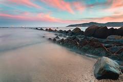 Serenamente (sergio estevez) Tags: paisaje playa landscape luz largaexposicin agua azul algeciras atardecer arena cielo color campodegibraltar calma estrechodegibraltar getares granangular tokina1116mmf28 nubes mar marina roca sergioestevez