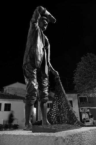 Numana, monumento al pescatore