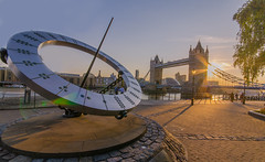 Compass & Stars. (aquanandy) Tags: london londonist londra londres compass sunset sunflares tower bridge towerbridge nikond7000 nikon nikonflickraward nikoneurope nikonuk nikonuser cityscapes city londoner londoncity evening sigma1020 beautiful share follow followifyoulike wideangle