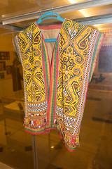 Sarawak bead vest (quinet) Tags: 2015 aborigne borneo iban kuching kuchingtextilemuseum malaysia muziumnegerisarawak perlen sarawak sarawakstatemuseum ureinwohner aboriginal beads native perles