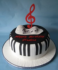 Piano keys cake (Cake Diane Custom Cake Studio (eyedewcakes)) Tags: birthday music cake keys piano sheet clef treble fondant