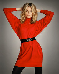 OUT18936327 (zo27kmeister) Tags: red portrait people sexy 1 belt sweater clothing model women dress heidiklum prominentpersons celebrities whites studioshot turtleneck females adults halflength germans europeans fashionmodel knitwear midadult midadultwoman shoulderlengthhair layeredhair