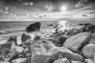 Afternoon Rocks 午の岩石