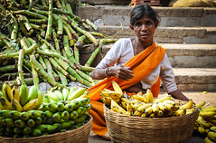(Spiros Vathis) Tags: woman india banana karnataka mysore