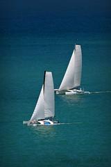 ... (pmenge) Tags: branco mar barcos vela dois 100400 tc14 duetos 5diii