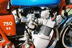 MV Augusta 750 1 (Song-to-the-Siren) Tags: 35mm motorbike 35mmfilm augusta mv newlandscorner konicahexaraf kodakektar100 mvaugusta750