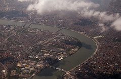 https://www.twin-loc.fr Bordeaux - Vue d'avion - View from plane - Picture image photography garonne pont bridge chaban delmas pont de pierre d'aquitaine saint jean