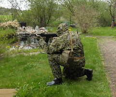 SAM_0505 (zeesenboot) Tags: camo camouflage wellies reenactment rubberboots gummistiefel airgun airrifle kalashnikov luftgewehr tarnanzug kalaschnikow