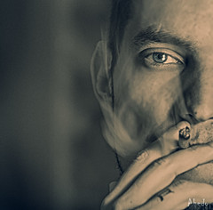 Humo (Ly.Ahedo) Tags: blue portrait men eye azul ojo retrato smoking fumar hombre cigarro primerplano firstplane