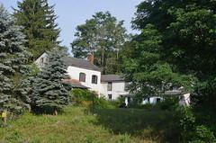 Rambling Farmhouse (rchrdcnnnghm) Tags: house abandoned farmhouse delawarecountyny delhiny oncewashome