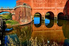 Casa Rossa Ximenes (giannipiras555) Tags: toscana oasi natura daccia botrona riflessi archi ponte casa rossa panorama scala