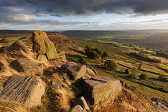 Curbar Edge (Paul Newcombe) Tags: peakdistrict curbaredge outdoor landscape landscapes peaks derbyshire england rocks sidelight september 2016 paulnewcombephotography uk nationalpark british countryside autumn latesummer