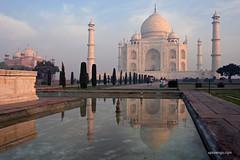 Agra (xplorengo) Tags: india indi unesco mausoleum monument asia azi uttar pradesh agra architecture architectuur cupola koepel shah marble marmer mogol minaret water reflection