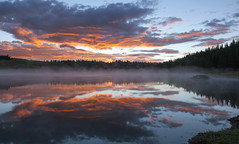Brilliant dawn (Jeff Mitton) Tags: dawn sunrise mist lake deeplake whiteriverplateau colorado reflection beaverlodge landscape scenic earthnaturelife wondersofnature