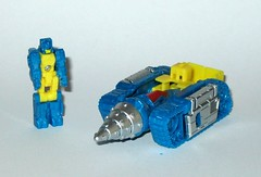 nightbeat transformers generations titans return titan master hasbro 2016 b (tjparkside) Tags: nightbeat transformers generations titans return titan master hasbro 2016 mosc autobot autobots transformer headmaster headmasters g1 g 1 one generation drill tank aircraft gun cannon blaster weapon weapons mode modes