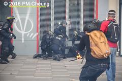 Manifestation pour l'abrogation de la loi Travail - 15.09.2016 - Paris - IMG_8215 (PM Cheung) Tags: loitravail paris frankreich proteste mobilisationénorme cgt sncf euro2016 demonstration manifestationpourlabrogationdelaloitravail blockaden 2016 demo mengcheungpo gewerkschaftsprotest tränengas confédérationgénéraledutravail arbeitsmarktreform lesboches nuitdebout antagonistischenblock pmcheung blockupy polizei crs facebookcompmcheungphotography polizeipräfektur krawalle ausschreitungen auseinandersetzungen compagniesrépublicainesdesécurité police landesweitegrosdemonstrationgegendiearbeitsmarktreform loitravail15092016 manif manifestation démosphère parisdebout soulevetoi labac bac françoishollande myriamelkhomri esplanadeinvalides manifestationnationaleàparis csgas manif15sept manif15 manif15septembre manifestationunitairecgt fo fsu solidaires unef unl fidl république abrogationdelaloitravail pertubetavillepourabrogerlaloitravaille