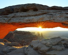 Mesa Arch Closeup (Art Mullis Photography) Tags: sunrise utah canyon canyonlandsnationalpark mesaarch washerwomanarch anpwarchesandcanyonlandsphotographyworkshopapril2013