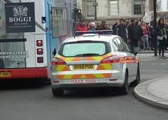 Met Police BMK (kenjonbro) Tags: uk england london ford westminster silver estate trafalgarsquare charingcross stationwagon sw1 mondeo bmk policedogs dogsection worldcars kenjonbro fujifilmfinepixhs10 bx58puo