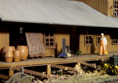 Satisfaction at work (coltrain2011) Tags: storehouse diorama modelrailway gjvik storagehouse barrelsoffish