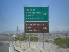 I-25 North at Exit 80 Offramp (sagebrushgis) Tags: newmexico sign intersection i25 truthorconsequences biggreensign freewayjunction elephantbuttestatepark bl25truthorconsequences