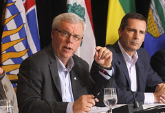 Premiers/premiers ministres Selinger, McGuinty at news conference/à la conférence de presse
