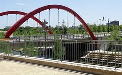 DSC08363 Red Arches (Dodge Rock) Tags: addison vitruvianpark hx300