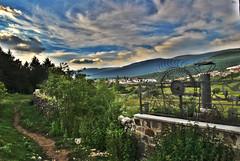 Arco del Campamento de Covaleda (Historia de Covaleda) Tags: espaa spain fiesta paisaje douro pinos soria historia pinar tradicion duero covaleda