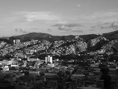 otra vista (danmarinc) Tags: ciudad favela city vision caracas people persons citilife