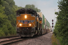 UP 8989 (CC 8039) Tags: up trains sd70ace es44ac ac44cw c449w searchlight signal cortland illinois