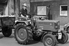 Trecker Oldtimer Rallye - 037_Web (berni.radke) Tags: treckeroldtimerrallye rallye trecker oldtimer lanz bulldog deutz schlter johndeere newholland fendt hanomag fahr leopard wesseler mccormick allgaier man traktor lette kartoffelmarkt