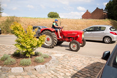 Rallye de vieux Tracteurs (saigneurdeguerre) Tags: europe europa belgique belgi belgien belgium belgica ponte antonioponte aponte ponteantonio saigneurdeguerre canon 5d mark iii 3 eos brabant wallon orp orplepetit jauche rallye tracteurs vieux old 28082016 28aot2016