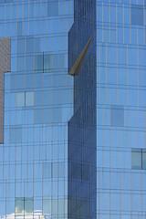 divided (Dieter Drescher) Tags: haus house hochhaus highriser brohochhaus officebuilding architektur architecture glasfassade glasfront glass front facade linien lines senkrecht vertical schrg slanted abstrakt abstract blau blue streng minimalismus minimalism muster pattern texture dieterdrescher