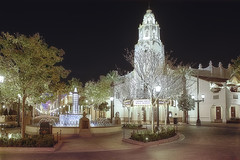 Disney Carthay Circle (cstout21) Tags: california ca travel chris trees vacation food usa fountain night lights restaurant us unitedstates disneyland landmark disney historic orangecounty anaheim westcoast hdr highdynamicrange stout californiaadventure waltdisney disneyscaliforniaadventure disneylandresort ngoc carthaycircle canon60d stoutandstout northamera