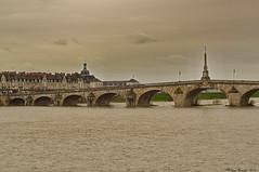 Blois, le vieux pont (Phil du Valois) Tags: landscape bigma sigma rivire 50500 paysage loire fleuve blois loiretcher fluvial