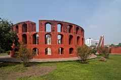 In Delhi, Astronomy Architecture and the Jantar Mantar - Ram Yantra (Anoop Negi) Tags: red india building green heritage architecture photography star photo delhi structure observatory astronomy ram latitude anoop jantar mantar yantra zenith negi azimuth lutyens ezee123