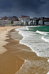 El Sardinero, Santander [EXPLORED] (David Crespo Nieto) Tags: sea sky espaa beach mar spain sand europa europe playa arena cielo santander sardinero