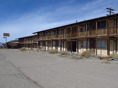 Tonopah, Nevada (Jasperdo) Tags: abandoned closed nevada motel roadtrip tonopah us95 sundownermotel