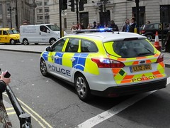 BTP L74 (kenjonbro) Tags: uk england london ford westminster yellow focus estate rear trafalgarsquare 93 charingcross stationwagon 2012 themall sw1 999 bluelights britishtransportpolice worldcars kenjonbro ll12jbo fujifilmfinepixhs50exr