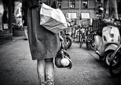 Louis Vuitton (Thomas8047) Tags: street zurich zrich schweiz switzerland ch monochrome nikon louisvuitton streetpix taschen onthestreets thomas8047 streetart urban strassencene streetphotography blackandwithe bw iamnikon 2016 zrigrafien d300s photography streetartstreetlife snapseed streetscene schwarzundweiss flickr zri people blancoynegro candid city hofmanntmecom 175528 urbanarte streetphotographer mode streetfashion fineartstreetphotography strasse zrichstreets stadtansichten frau frauen streetlife