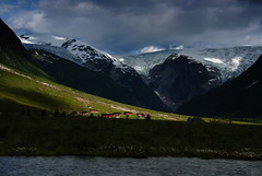 Langedalen spotlight (DoctorMP) Tags: norway norge norwegia langedalenjostedalsbreen hytter huts domki dolina gry mountains breheimen rzeka river logowiec glacier